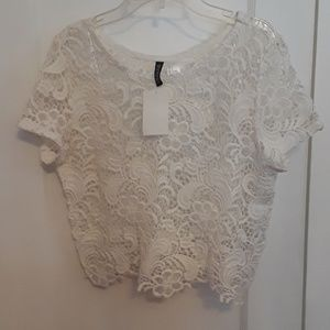 H&M lace crop top Size: Small